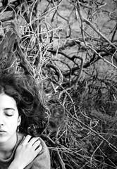 O tempo e o vento (.Bubamara.) Tags: mano albero vento rami capelli tagli