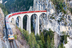 Landwasser Viaduct, Graubünden (peace-on-earth.org) Tags: world bridge heritage train geotagged switzerland rail railway tunnel unesco viaduct che landwasser rhaetian landwasserviadukt filisur peaceonearthorg kantongraubünden schmittenalbula geo:lat=4668068304 geo:lon=967347671