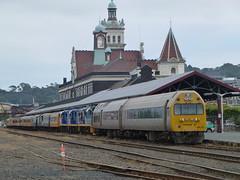 Two Trains at Dunedin Railway Station (geoffreyw@kinect.co.nz) Tags: station railway dunedin