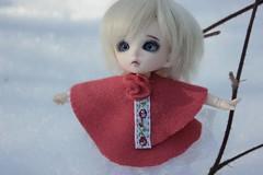 Petit Chaperon Rouge  Mathlide {Pukife Luna} (Loony-Doll) Tags: doll dolls luna wig bjd neige custom fairyland custo mathilde poupe rsine acryliques customise crobidoll pukife pukifeluna