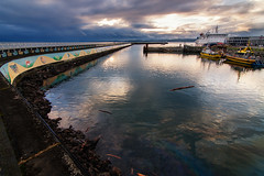 Evening at Ogden Point (C McCann) Tags: ocean sunset sea sky canada water evening bc pacific britishcolumbia victoria vancouverisland oil spill breakwater ogdenpoint