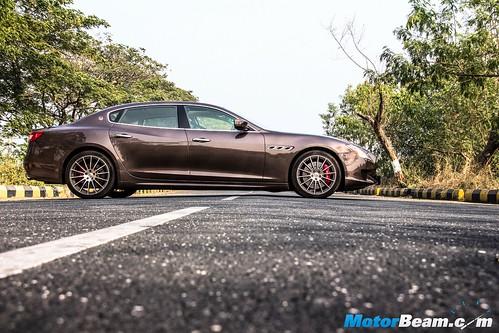 2016-Maserati-Quattroporte-GTS-05