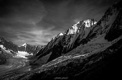 Fin de Journe sur Les Droites (Frdric Fossard) Tags: alpes lumire glacier contraste chamonix alpinisme clart hautesavoie argentire srac luminosit massifdumontblanc hautemontagne facenord