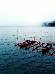 Little boats in Bedugul (. Degalle) Tags: pura ulun danu beratan