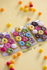 Miniature Donut Trays (PetitPlat - Stephanie Kilgast) Tags: sculpture art cake cookie handmade polymerclay fimo cupcake pastry foodart realism miniaturecake miniaturefood oneinchscale sweetfoods 1to12 miniaturecookie