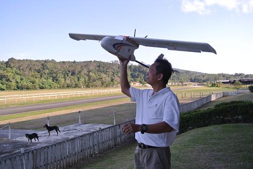 Mr. Pang Kee Yan_demonstration of UAV hand launching