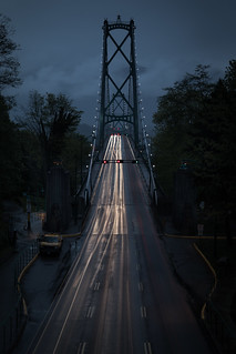 Rainy morning on Lions Gate Bridge