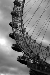 DSC_0928 (abi.rayner) Tags: blackandwhite london eye monochrome wheel architecture photography photo londoneye millenium tonal