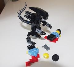 Lego Alien attack (littlebricker) Tags: soldier lego alien police swat minifigure