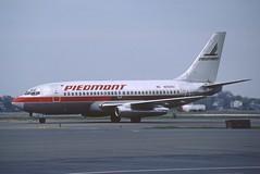 Piedmont Airlines Boeing 737-200; N259AU, May 1989 (Aero Icarus) Tags: plane aircraft flugzeug avion slidescan boeing737200 piedmontairlines n259au