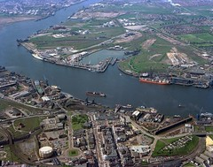 Aerial view of South Shields, 1977 (Tyne & Wear Archives & Museums) Tags: industry industrial ships engineering kingstreet southshields tyneside vessels rivertyne aerialphotograph drydocks southtyneside northtyneside shiprepair northeastofengland albertedwarddock