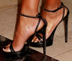 Feet & Shoes (3213) (♠I Love Feet & Shoes♠) Tags: street sexy feet stockings pie shoes highheels sandals tights lingerie heels pés huf hoof bas pieds mules pantyhose schuhe casco piedi meias medias scarpe sandalias chaussures sapatos sandálias zapatillas sandalen ноги sandales чулки sabot sandali πόδια strümpfe ботинок παπούτσια туфля calcanhares каблуки füse σανδάλια κάλτσεσ копыто сандалий οπλή