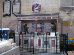 Pershore Abbey, Worcs (pefkosmad) Tags: uk england sculpture church monument abbey memorial worship interior tomb husband son wife inside worcestershire figures anglican effigy placeofworship hallowedground churchofengland pershore parishchurch englandsthousandbestchurches