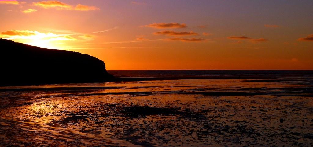 Porthcothan Sunset 1 .  Lunix TZ 70.  P100252.