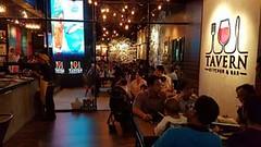 FULL HOUSE LAGI MALAM NI!! Bagi anda yg belum berpeluang untuk singgah ke Tavern Kitchen & Bar dan merancang untuk merasa makanan,minuman serta kemeriahan yang ada di Tavern Kitchen & Bar bolehlah membuat TEMPAHAN melalui Whatapp/call ke talian 012 586009 (tavernkk) Tags: fullhouse liveband fad imago 150416 tavernkk