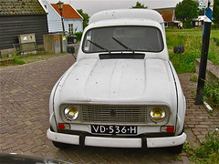 1988 RENAULT R4F4 Fourgonnette (ClassicsOnTheStreet) Tags: classic car amsterdam 1988 renault 80s delivery vehicle oldtimer streetphoto spotted veteran 1980s import r4 streetview lieferwagen straatbeeld strassenszene noord imported 2015 amsterdamnoord klassieker gespot ransdorp furgon fourgonnette straatfoto quatrelle carspot besteller 4f4 r4f4 nieuwegouw ingevoerd vd536h classicsonthestreet ax239gr
