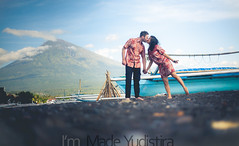 V+W 11 (Bali Based Freelance Photographer and Photo Stocks) Tags: trip vacation bali beach canon couple photographer good great freelance prewedding balinese prewed amed karangasem