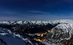 Aran nocturna (David Andrade 77) Tags: espaa moon snow ski sport spain nieve luna deporte moonlight neige beret espagne skier pyrenees baqueira pirineos pirineo valdaran pyrinee valledearn aranvalley esqudetravesa skirandonee esqudemontaa skieurope costarjas