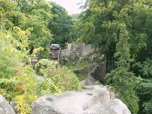 Basteja bramna na Zamku Bolczów z zachodniej części zamku górnego