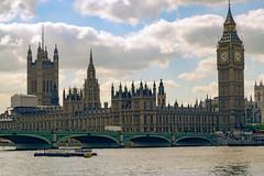 DSC_7806.jpg (S.S82) Tags: uk trip travel bridge england london architecture buildings ancient unitedkingdom structures bigben falls clocktower gb historical monuments westminsterbridge worldheritagesites ss82
