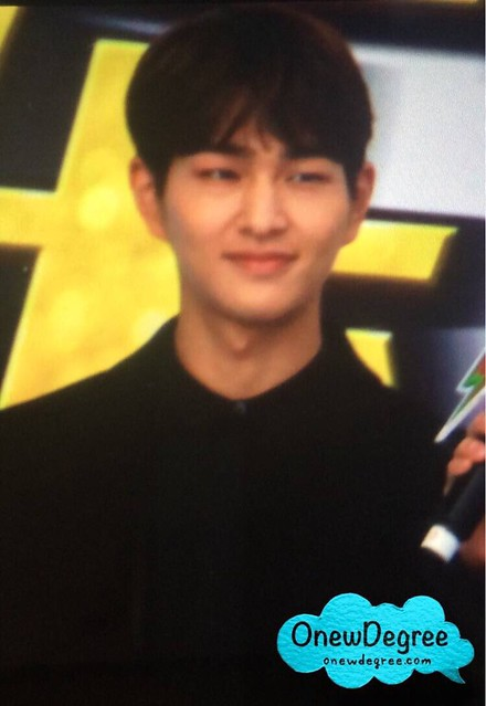 160328 Onew @ '23rd East Billboard Music Awards' 25500163264_872d1aea6d_z