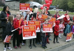 #RedTuesday | Support for Lake Washington School District 2016 bond (issreporter) Tags: sammamish