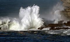 SANTA MARINA / 1548DRL (Rafael Gonzlez de Riancho (Lunada) / Rafa Rianch) Tags: sea mer mar waves cliffs temporary vagues olas cantabria ondas acantilados santamarina