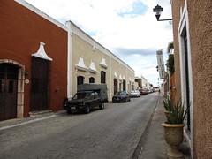 "Valladolid: Valladolid: calzada de los frailes <a style=""margin-left:10px; font-size:0.8em;"" href=""http://www.flickr.com/photos/127723101@N04/25862327301/"" target=""_blank"">@flickr</a>"