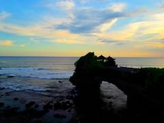 Magical twilight (Boysimangunsong) Tags: sunset bali rock indonesia temple twilight tanahlot