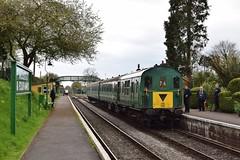 1125 at Medstead & Four Marks. 24/4/16 (Nick Wilcock) Tags: railways thumper 1125 demu midhantsrailway class205 dieselgala brgreen medsteadfourmarks