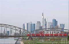Frankfurt am Main - Skyline (2) (Jorbasa) Tags: bridge train river germany deutschland hessen frankfurt main eisenbahn zug brcke fluss geotag frankfurtammain hochhaus skycraper skiline wetterau jorbasa