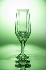 Taa (Daniel Guedes F. Dionizio) Tags: verde vidro cores still taas copos estdio