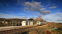 Cabaas de Aliste (Luis Corts Zacaras) Tags: sol tren cielo nubes campo zamora cabaas trd ferrocarril renfe aliste adif