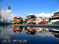 Panormica Post-Lluvia. (Pablo Duarte Gutirrez) Tags: buses mercedes benz lluvia urbano valparaso marcopolo