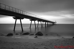 Pont del Petroli // Bridge Oil (Nordwest700) Tags: longexposure bridge sea bw byn beach canon puente mar mediterranean mediterraneo playa 7d badalona nd400 largaexposicion canon7d nordwest700