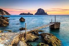 Sunset in Cala d'Hort (Kiu Photography) Tags: travel sunset sea seascape beach playa ibiza lee eivissa filters islas baleares kiu balears illes singhray kiuphotography