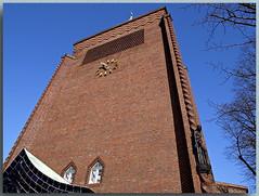 Evangelische Kreuzkirche am Hohenzollerndamm - C (Peterspixel from Peter Althoff) Tags: kreuzkirche sakralbauten hohenzollerndamm