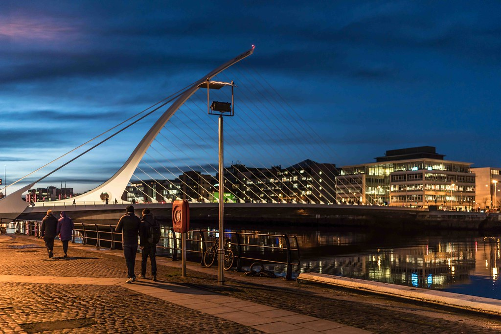 DUBLIN DOCKLANDS AT NIGHT [JANUARY 2016]-110827