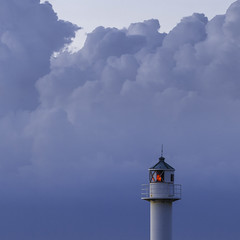 lighthouse in the sky (Blende1.8) Tags: lighthouse leuchtturm nordsee northsea nieuwpoort belgien belgium clouds wolken himmel sky meer sea red rot blau blue light licht canon eos 400d 100400mm winnercontest329group500x500
