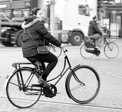 DSCF1472ir (Denkrahm) Tags: street bike transport denhaag move denkrahm cycle fiets omafiets grandmabike
