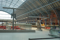 DSC_0011 (photographer695) Tags: london station st place meeting railway pancras