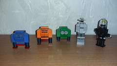 Robot Mini-builds Back view (Brickule) Tags: fiction classic robot lego space science scifi