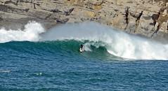 FERNANDO RIEGO / 0841GNW (Rafael Gonzlez de Riancho (Lunada) / Rafa Rianch) Tags: sea mer sports mar rocks surf waves surfing cliffs olas rocas cantabria deportes laisla ocano acantilados santamarina