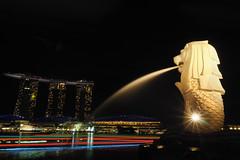 LionCity at Night (elenaleong) Tags: cityscape nightscape merlion mbs marinabay merlionpark lioncity boattrails marinabaysands onefullertonsingapore iconicstatute