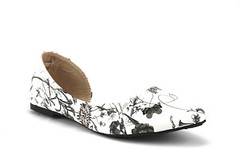 Iynx D'Orsay Floral Print Flat Black/Flower Shoes (jazame_shoes) Tags: floral print beige shoes pointy toe open flat slip heel dorsay on blackflower iynx