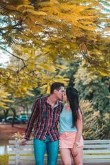 Amanda e Douglas (EvelinCristina) Tags: park parque trees boy white black love girl smile branco garden ensaio happy 50mm hug ar affection amor carinho beijo dia photographic preto namorada e jardim romantic sorriso abrao feliz ao menina livre menino noiva rvores fotogrfico romntico namorado externo noivo afeto 18g botnicos d3100