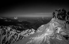 Horizon Lointain (Frdric Fossard) Tags: alpes altitude horizon glacier corniche paysage chamonix montblanc alpinisme cime hautesavoie sommet oxygne 4810m alpiniste corde massifdumontblanc