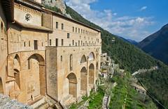 San Benedetto # 1 (schreibtnix) Tags: italien italy mountains travelling landscape reisen sanbenedetto berge monastery landschaft kloster subiaco olympuse5 schreibtnix