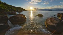 Praia Itagua ( Explore ) (..Javier Parigini) Tags: sunset sea brazil sun sol praia sunshine brasil riodejaneiro atardecer mar nikon flickr playa explore ilhagrande angradosreis nikkor f28 oceano d800 islagrande 32explore 1424mm praiaitaguau javierparigini