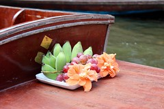 Floating fruit (ape_regina) Tags: travel fruit thailand asia market floating tasty banana grapes